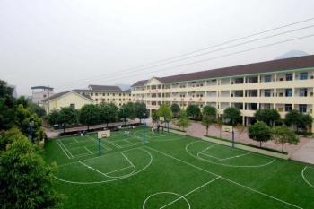 青少年特训学校运动场